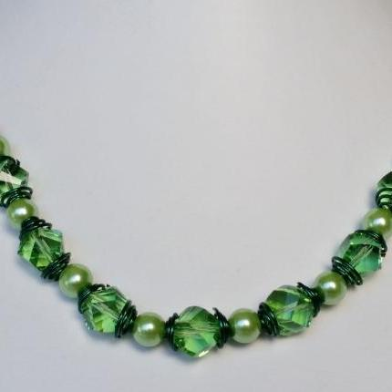 Athena Green Necklace (silver clasps)