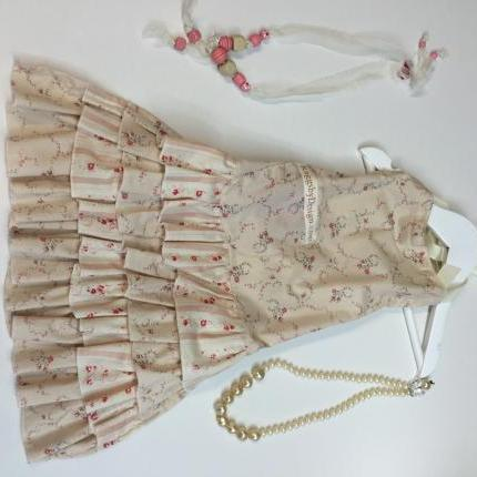 Frilly Aprons