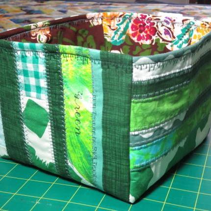 Quilted storage box- green