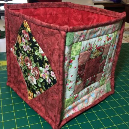Quilted storage box - maroon/pink