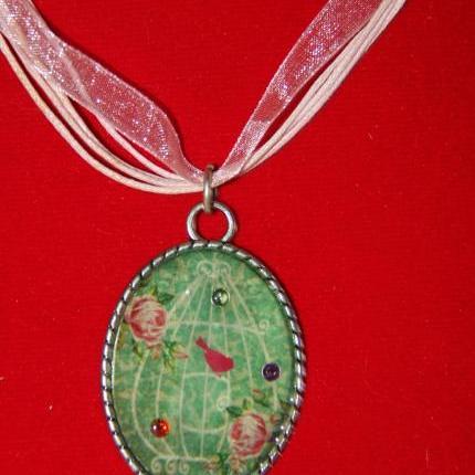 bird motif pendant